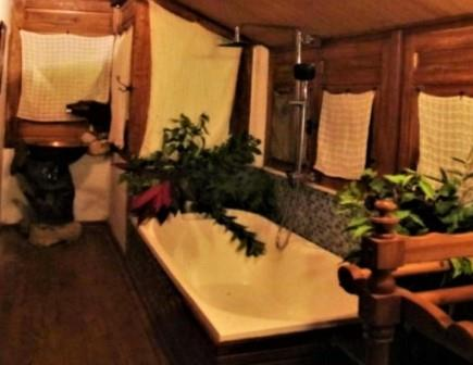 bathtub-breve-azurine-karimunjawa