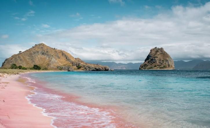 pantai-pink-labuan-bajo